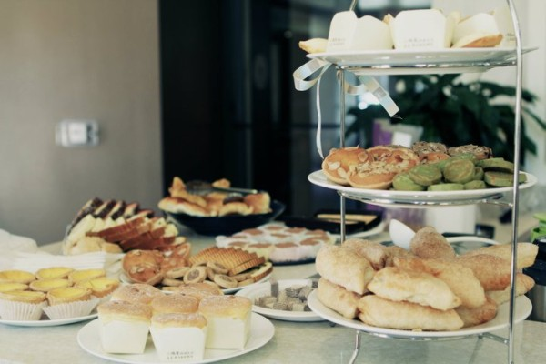 255005 10100254339932565 6102775 n 600x400 Tea Lovers Guide to Los Angeles: Tea Time At Home (Part 1 of 6)